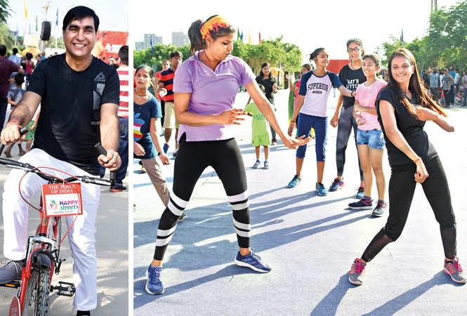 (L) Mukesh Kumar (R) Kavita and Pooja Singh (BCCL/ Farhan Ahmad Siddiqui)