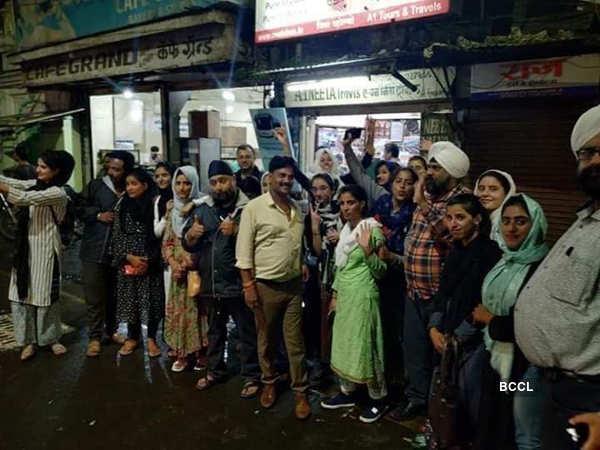 Article 370: Sikhs help 32 Kashmiri girls reach home