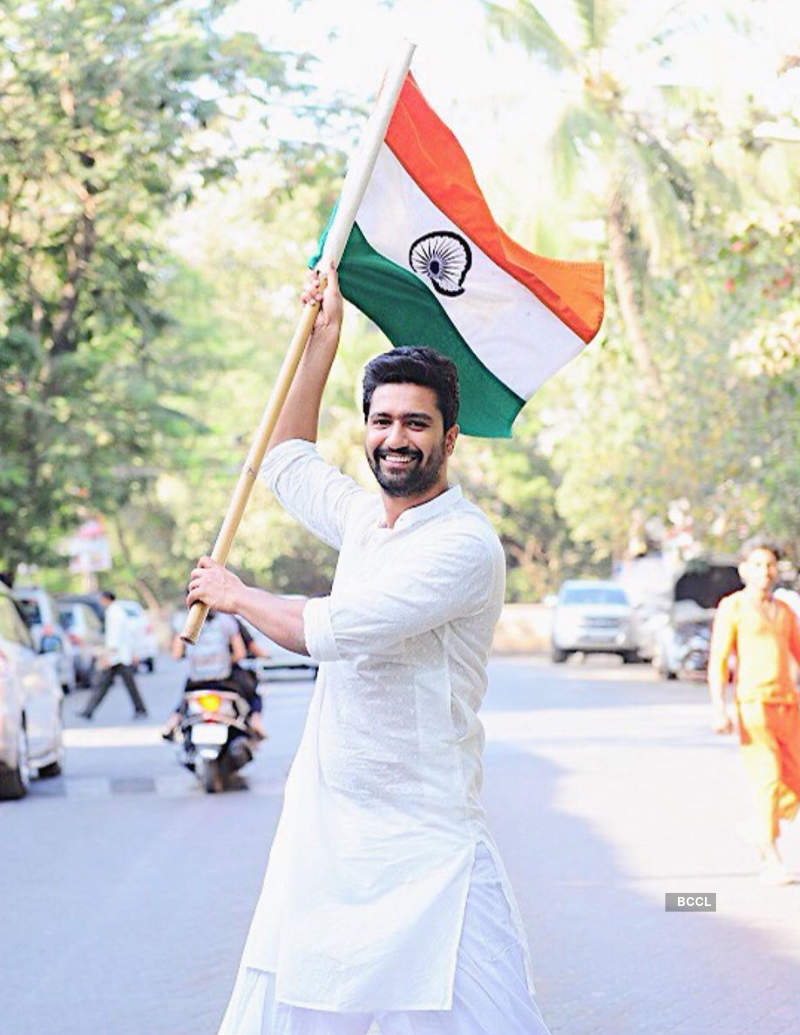 Bollywood celebs wish Happy Independence Day to the nation