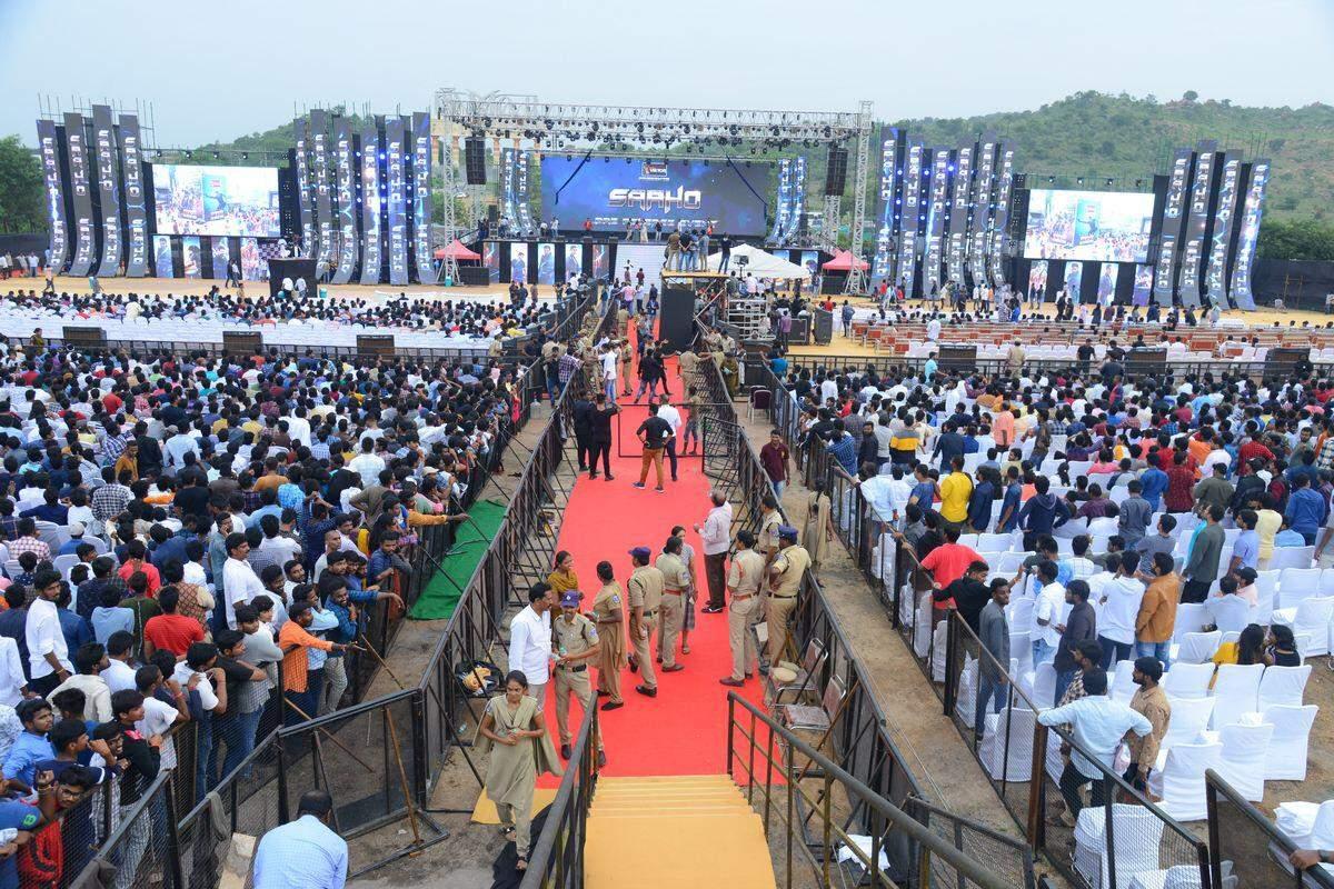 Saaho Pre-Release Event Prabhas Shraddha Kapoor 5.