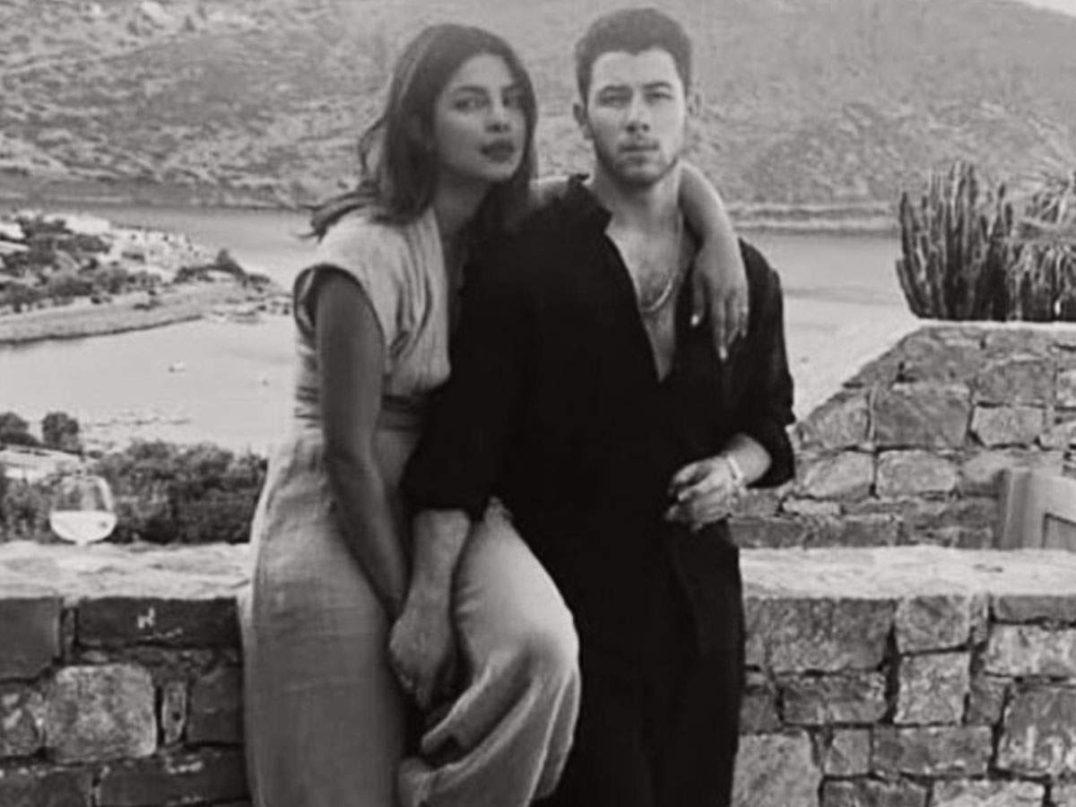 Priyanka Chopra seals her love for Nick Jonas through a kiss