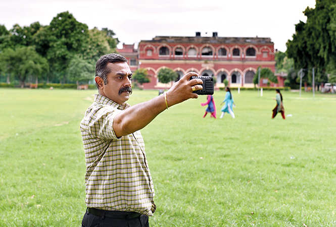 Bhagwan Tiwari strikes a pose in between shots (BCCL/ Amar Deep)
