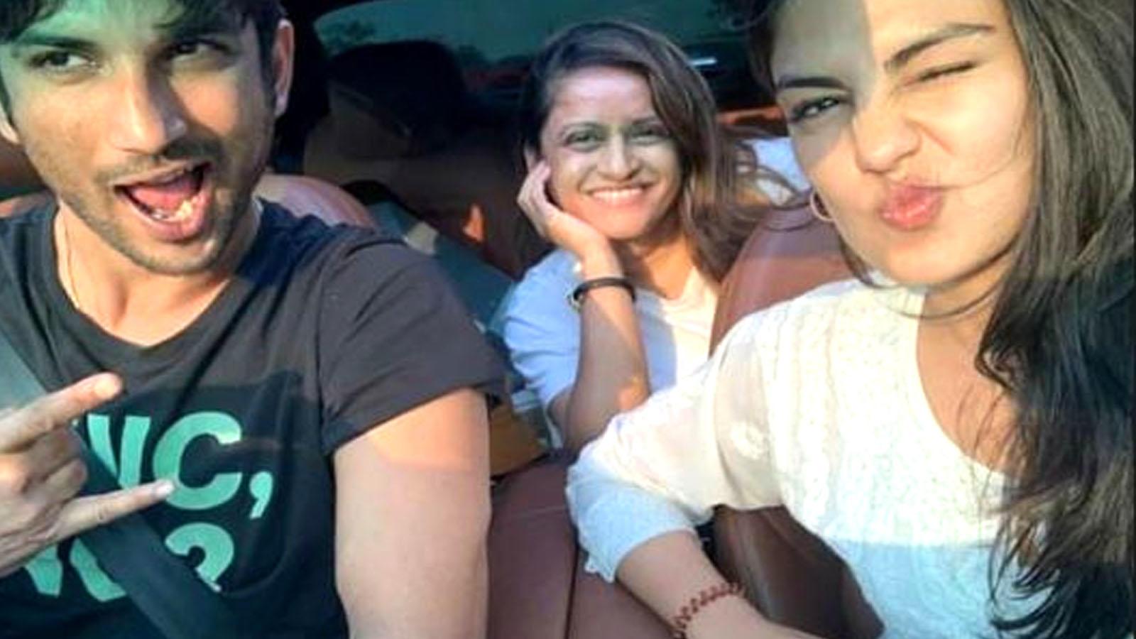 Sushant Singh Rajput and Rhea Chakraborty indulge in some fun banter on social media