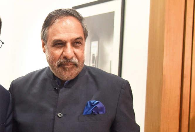 DSC_4206--Rajya-Sabha-member-and-Congress-senior-spokesperson-Anand-Sharma-with-Outgoing-French-Ambassador-Alexandre-Ziegler-with-his-wife-Veronique-Ziegler