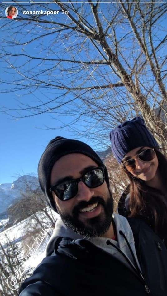 sonam_and_hubby_anands_selfie_0.