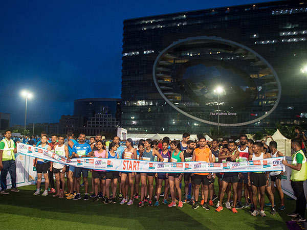 The-4th-Edition-of-Mumbai-Half-Marathon-started-off-at-5