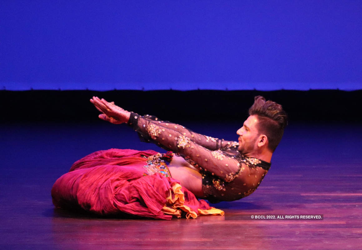A fusion of Umrao Jaan, classical form and belly dancing in the city