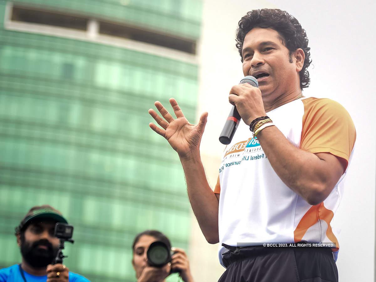 Sachin Tendulkar flags off 4th edition of 'Mumbai Half Marathon'