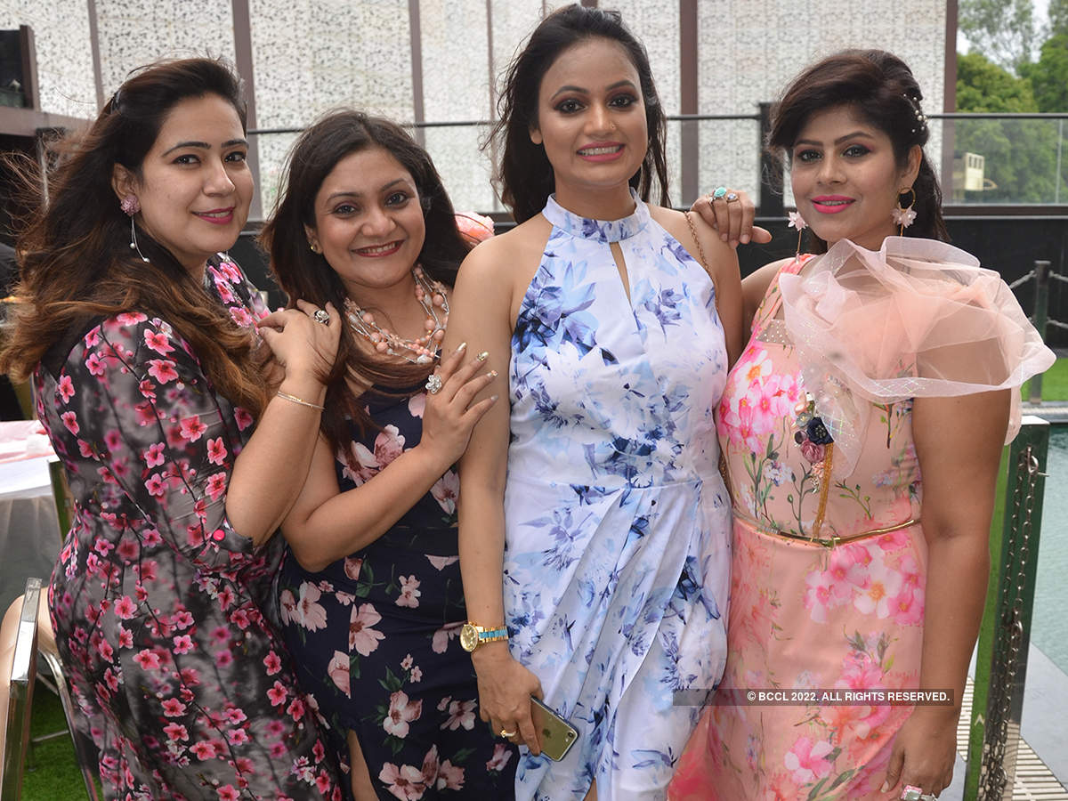 Ladies have a gala time at Monsoon party