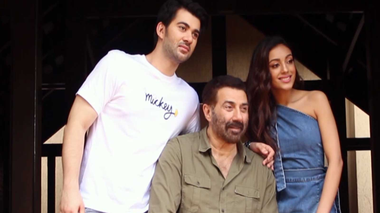 Dad Sunny Deol promotes son Karan Deol's movie in Mumbai