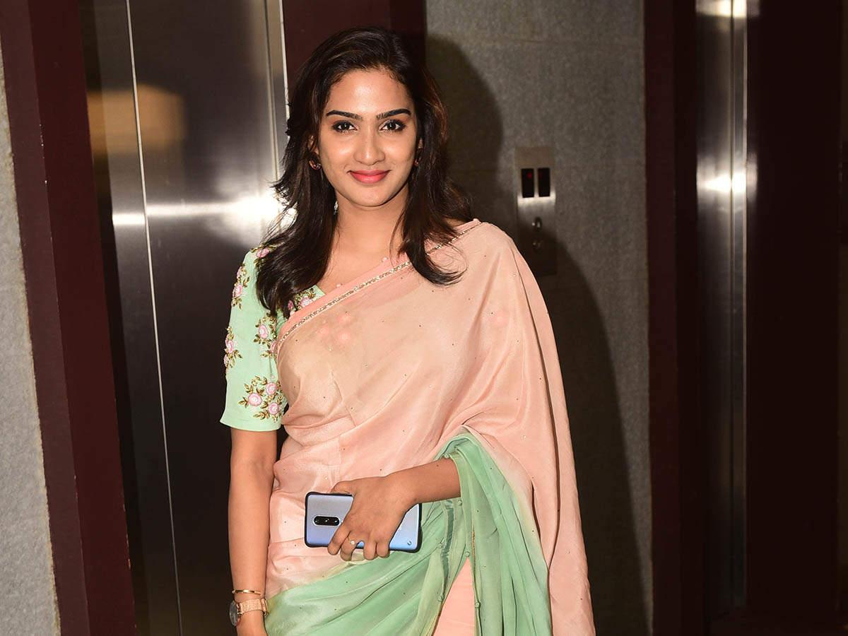 Aditi Ravi 01