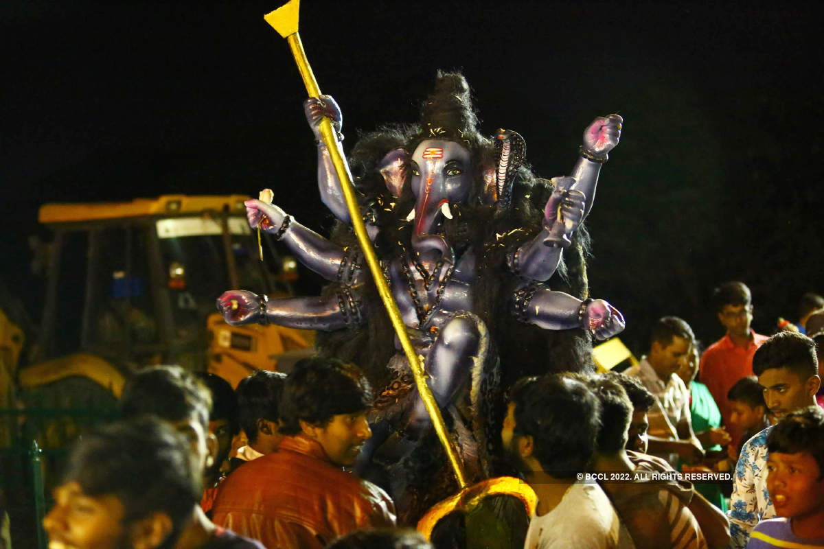 Bengaluru bids adieu to Ganesha in style