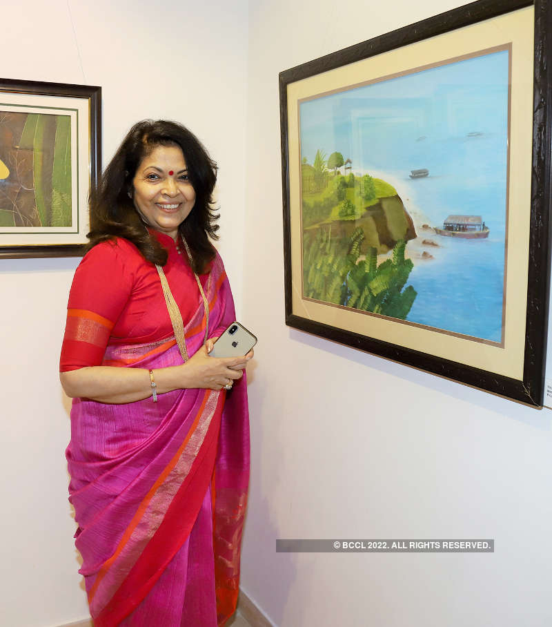 Art lovers attend the exhibition 'Oeuvre'
