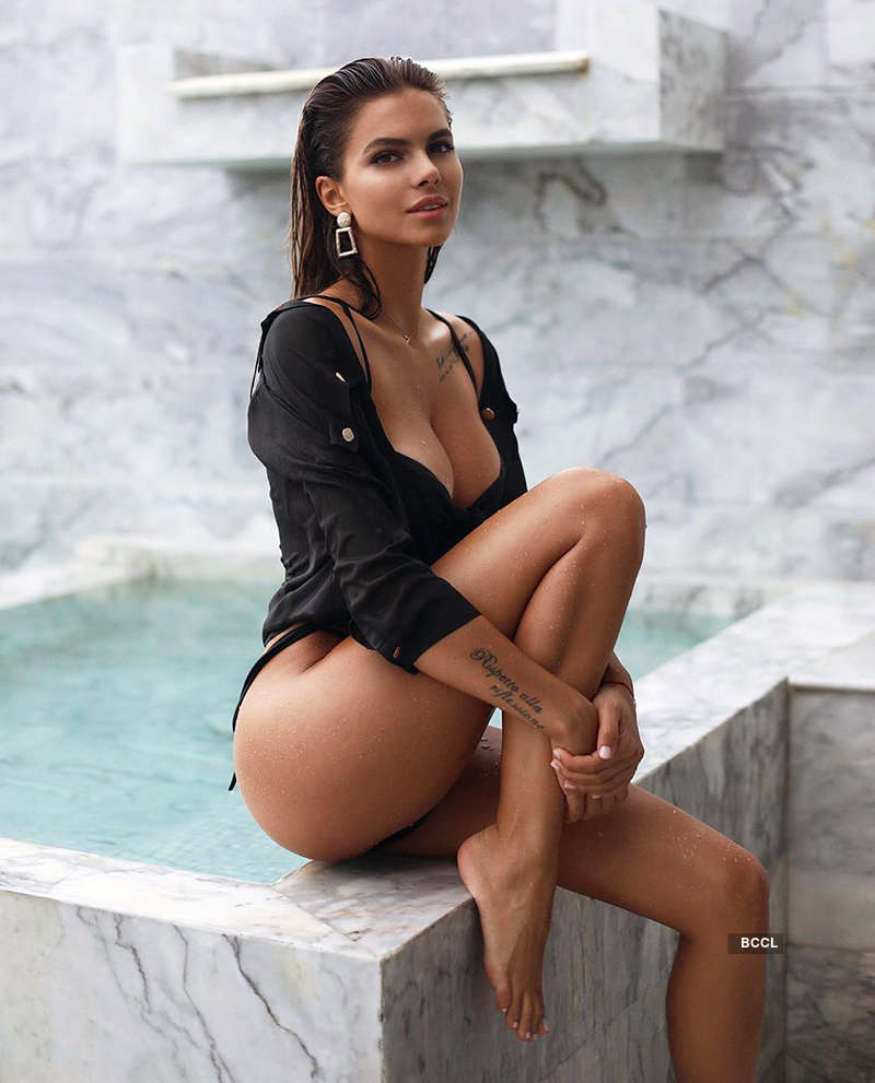 Captivating photoshoots of Esha Gupta's lookalike Viktoria Odintcova sweep the internet