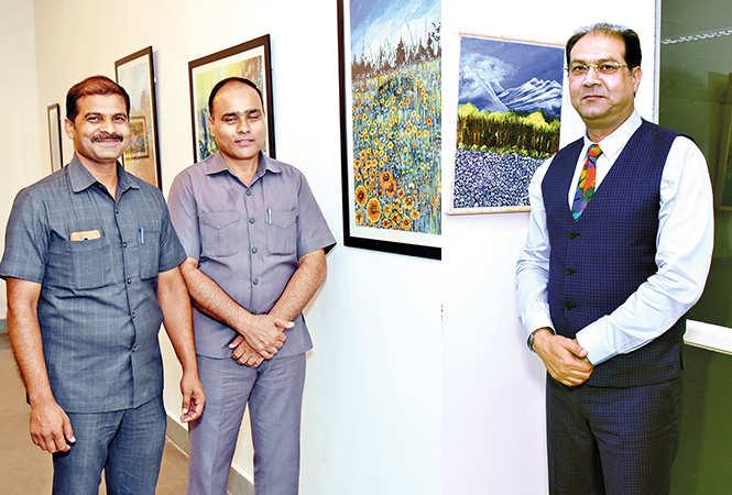 (L) Ishwar Yadav and Izhar Siddiqi (R) Mohsin Raza (BCCL/ Vishnu Jaiswal)