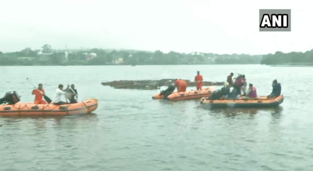 Tragic pictures as boat capsizes during Ganpati Visarjan in Bhopal