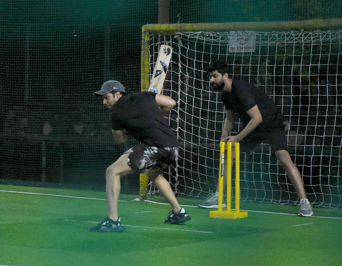 Celebs cricket (2)