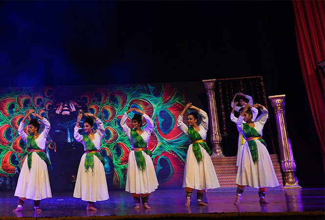 Artist-performing-at-Event-Meera-the-Musical-6
