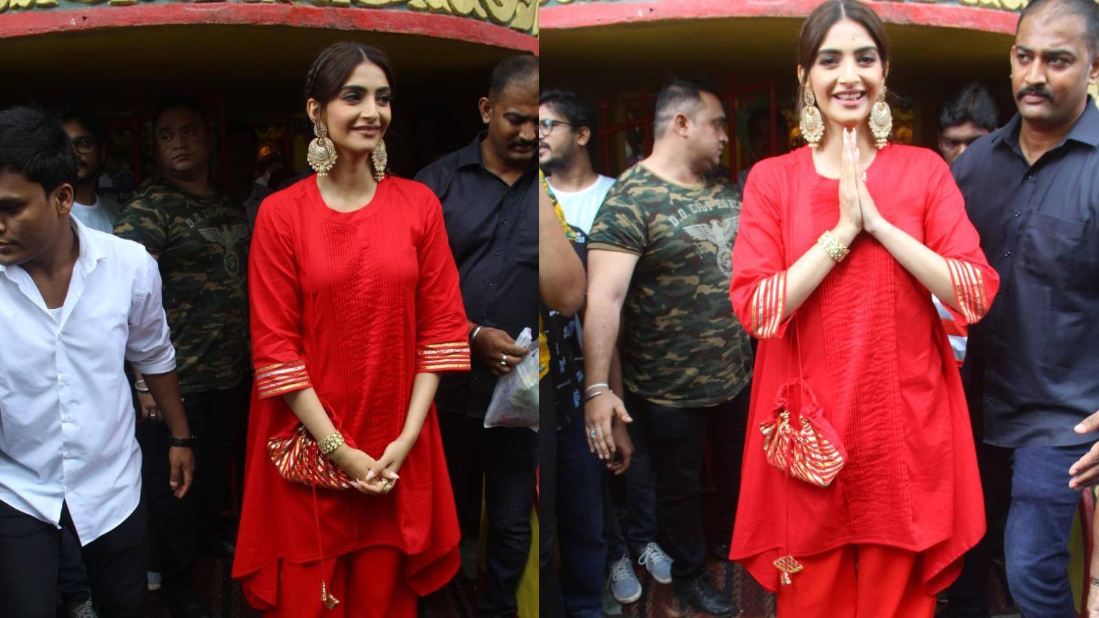 Sonam Kapoor visits 'Shree Mukteshwar Devalaya' in Mumbai