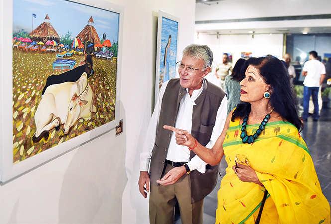 RAN_3430-Naresh-Kapuria-with-Shovana-Narayan