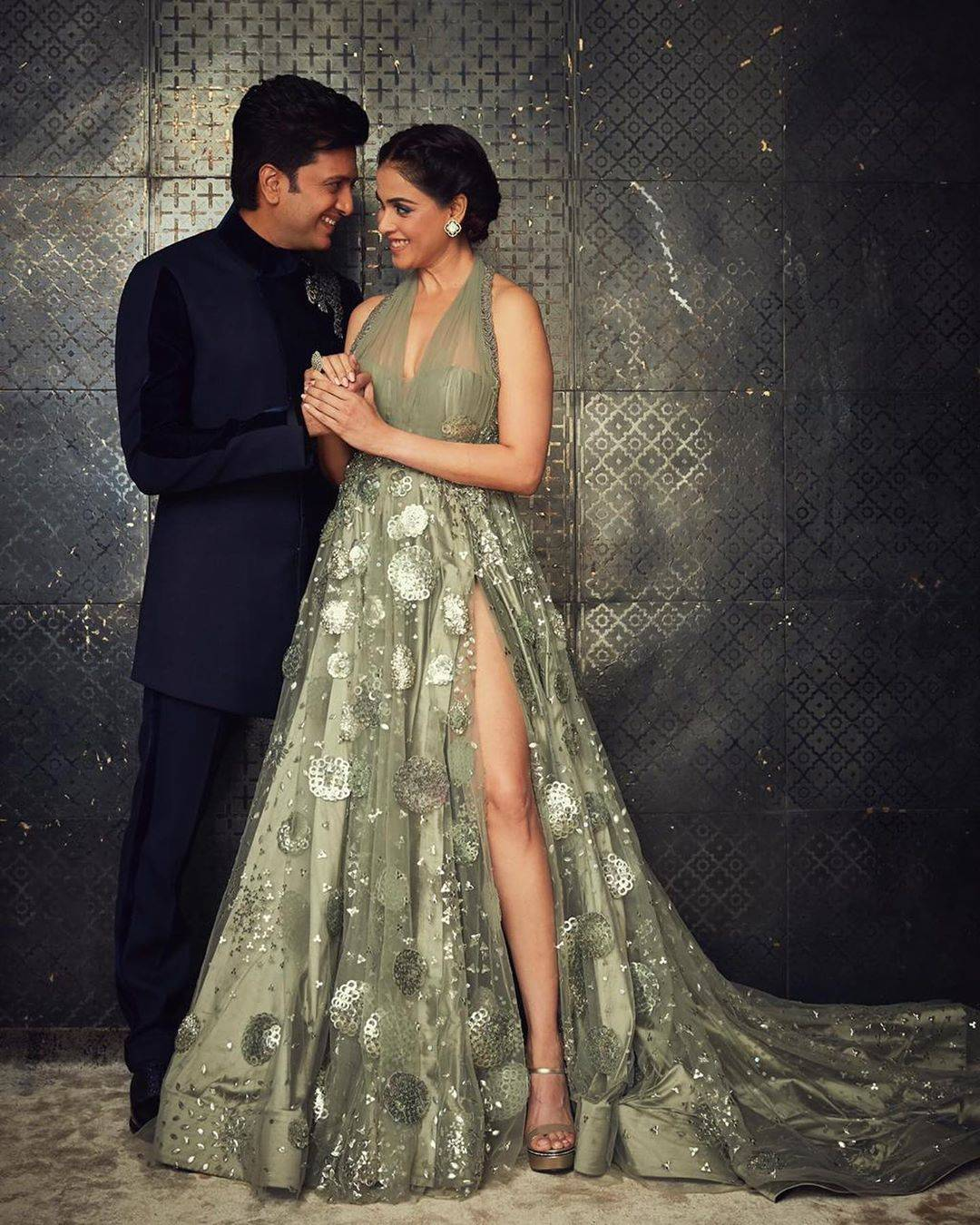 Riteish Deshmukh and Genelia D'Souza shell out major couple goals; view  pics | Hindi Movie News - Times of India