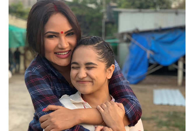 Kamna Pathak and Zahara Sethjiwala