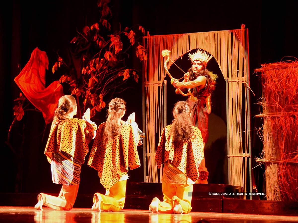 Tamasha Vratraj: A play