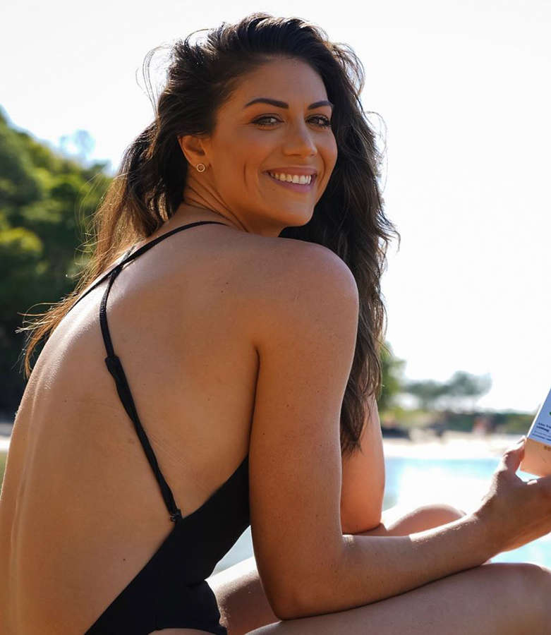 These stunning pictures of Olympic swimmer Stephanie Rice will steal your heart