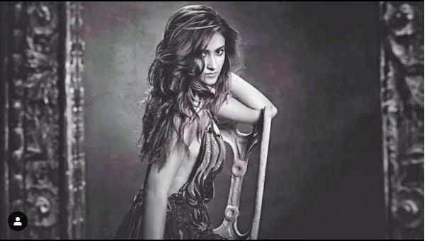 Ileana Dcruz Hot Photos & Sexy Video