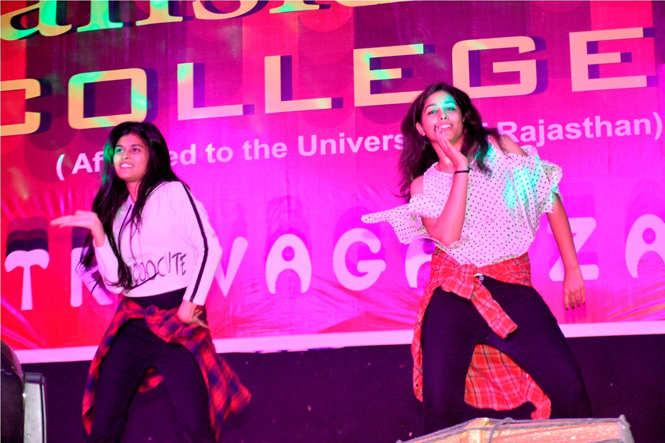 Sanskriti college Fresher Party 3
