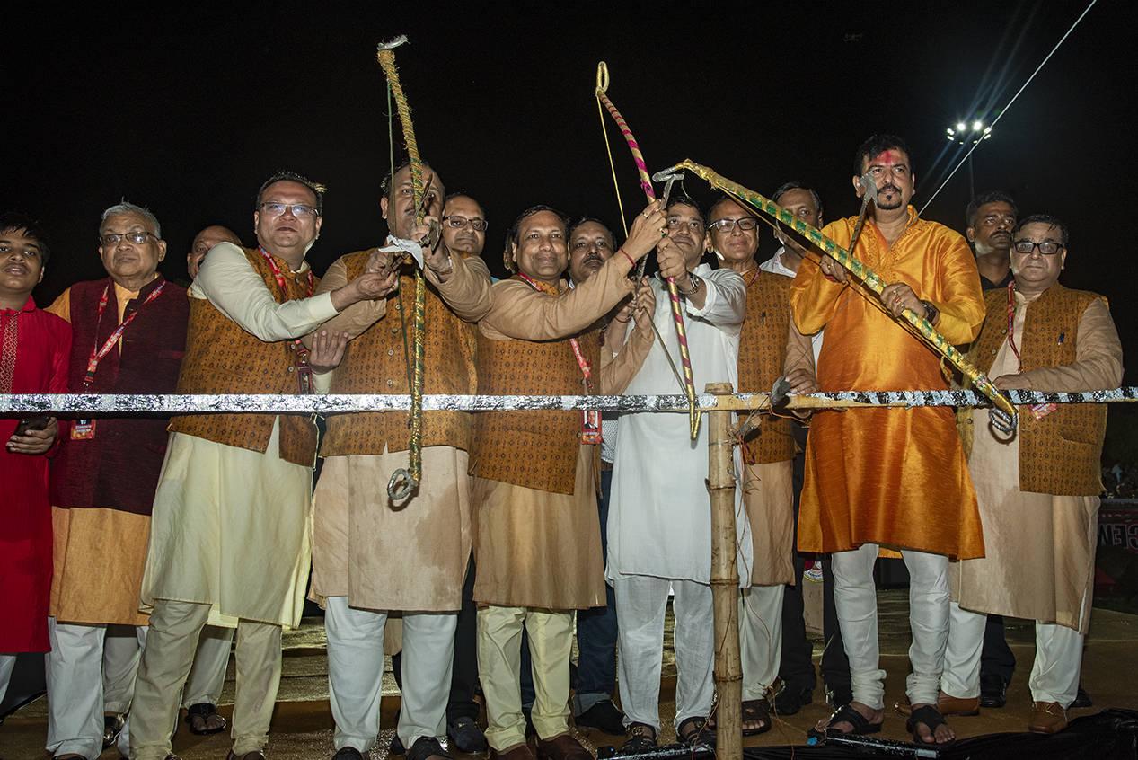 Sujit Bose, Lalit Beriwala, Binay Dubey & others during the Inauguration ceremony of Dussehra Mahotsav by Salt Lake Sanskritik Sansad & Sanmarg held at Central Park(Salt LAKE), Kolkata_3