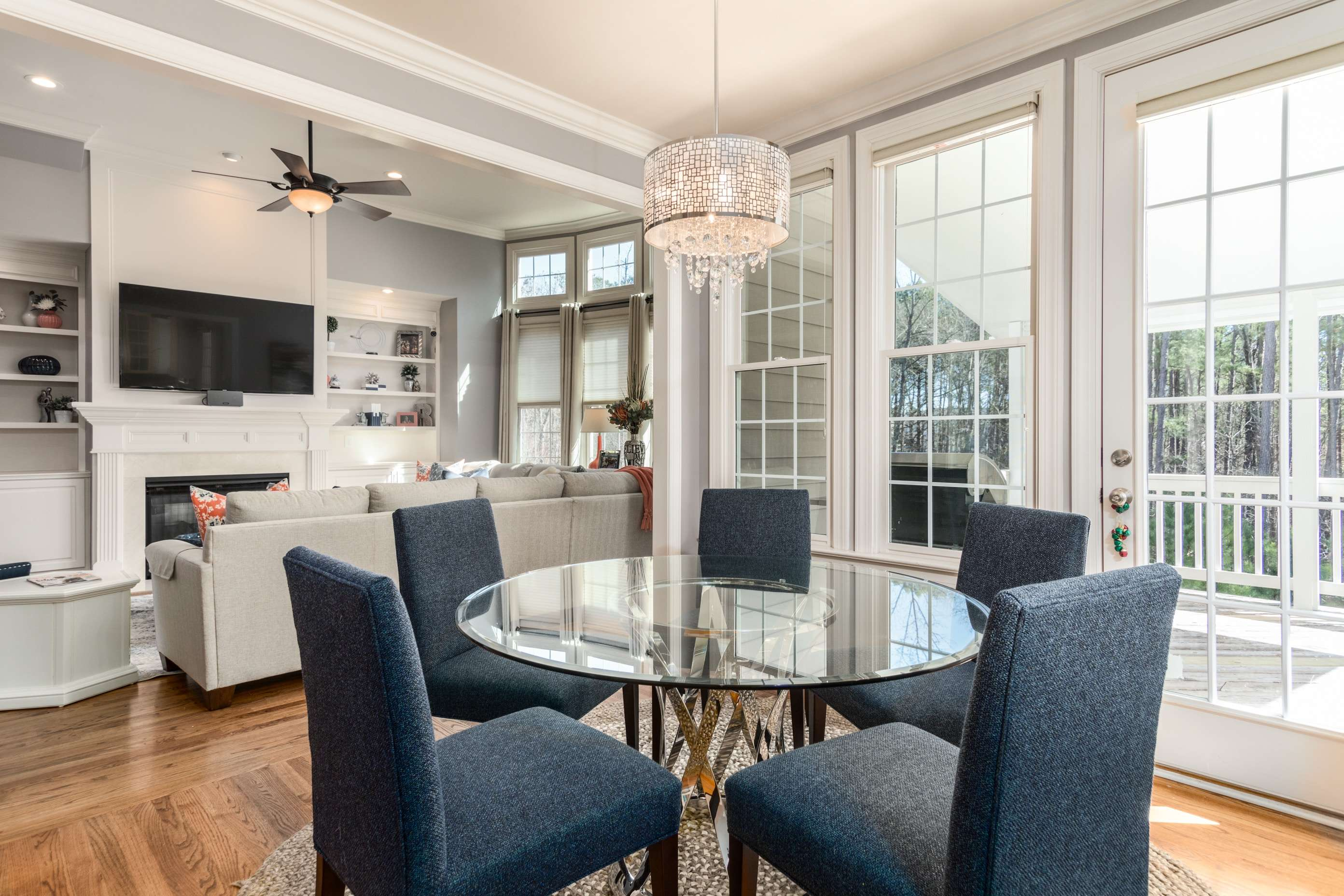 Ceiling lights for the dining room : 5 exceptional designs ...