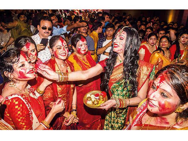Sushant-Divgikr-at-Times-Powai-Sarvajanin-Durgotsav-2019-18
