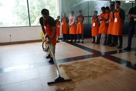 vacuum cleaning (1)