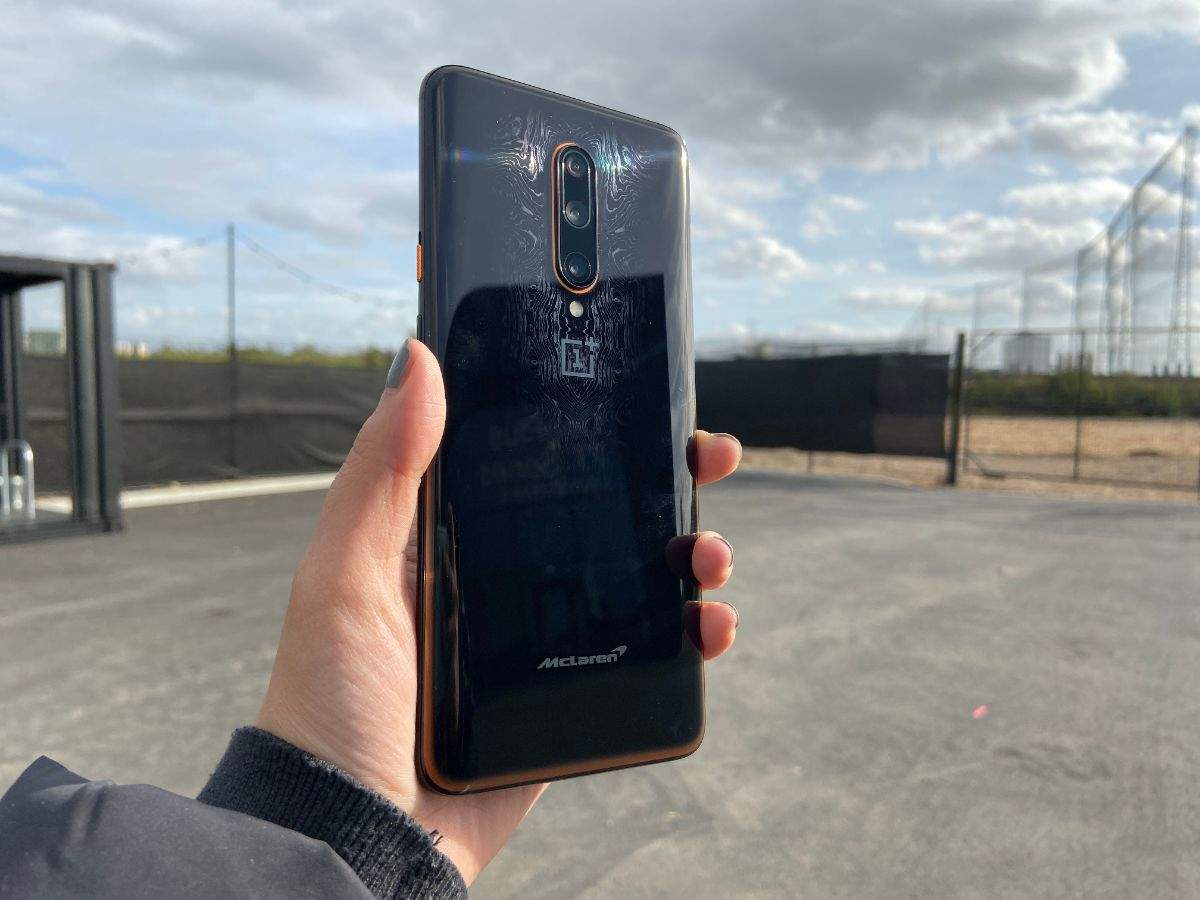 ​McLaren edition differs from OnePlus 7T Pro only in terms of RAM and design