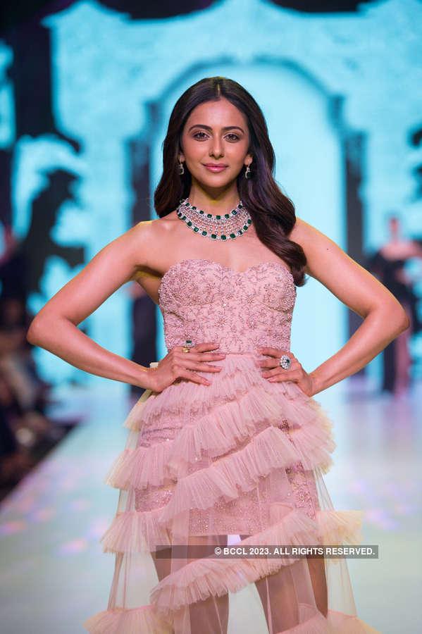 Bombay Times Fashion Week 2019 - Gehna - Day 2