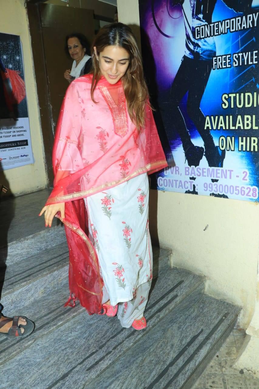 Sara Ali Khan (4).
