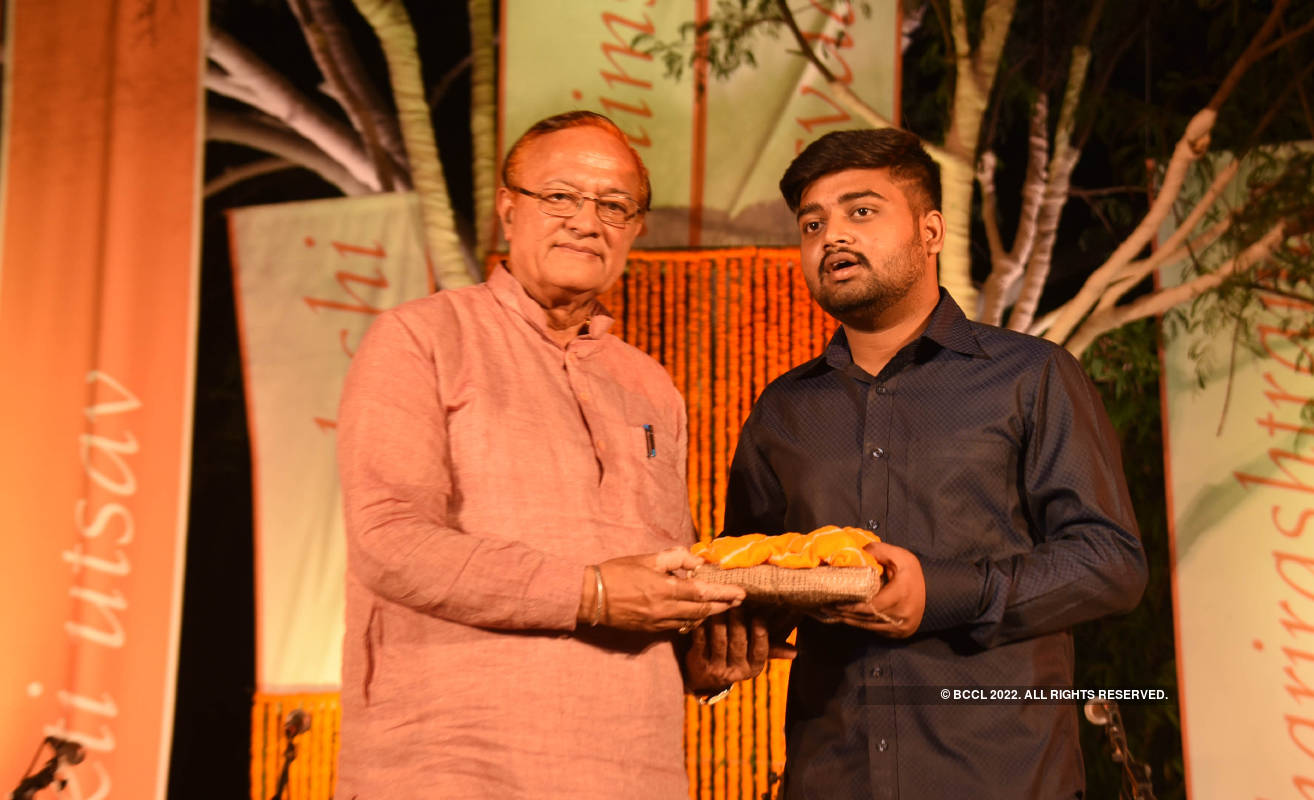 Bhakti Utsav pays tribute to Mahatma Gandhi