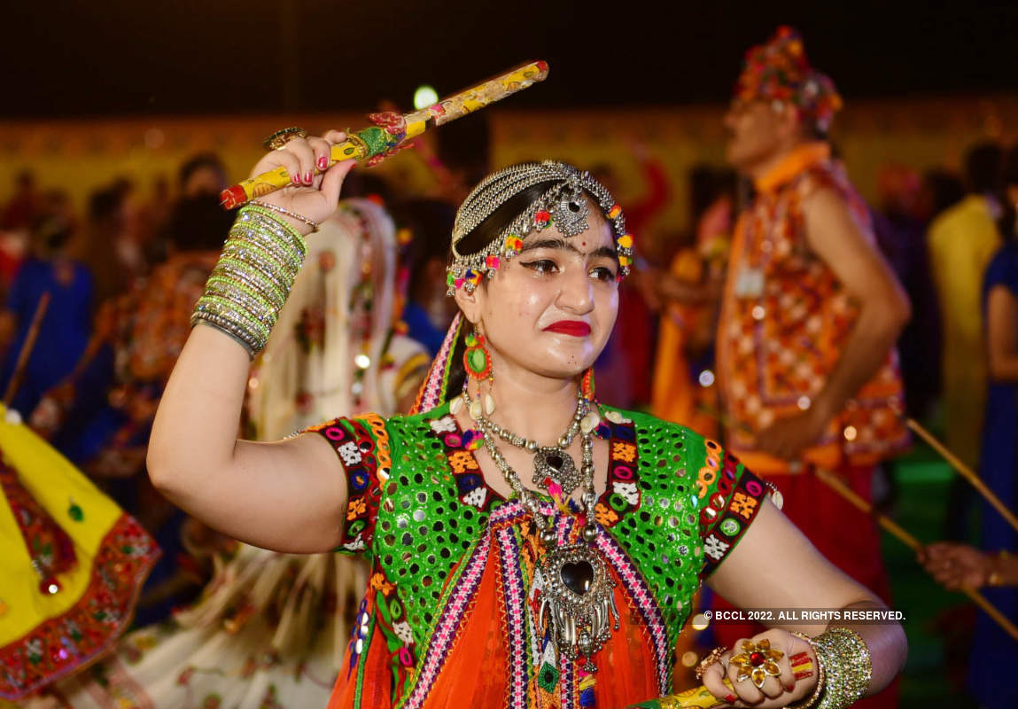 City sways to tunes of garba
