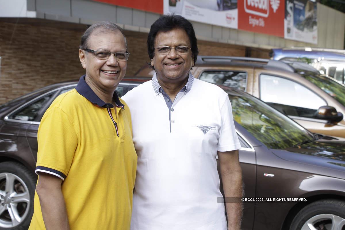 Kolkatans take part in a car rally