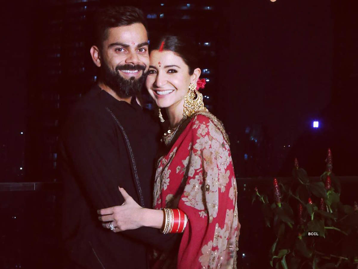 This new lovely picture of Anushka Sharma and Virat Kohli enjoying breakfast with little daughter Vamika is too cute to miss!