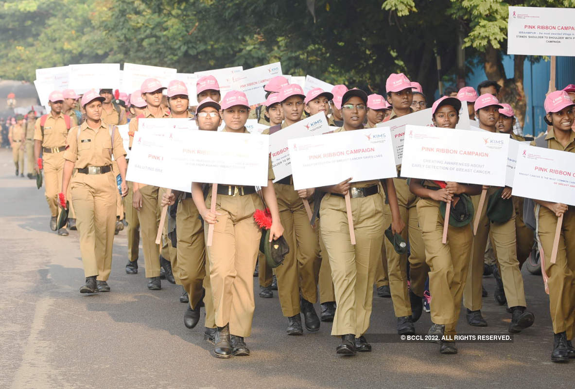 Citizens participate in Walkathon to create awareness on breast cancer