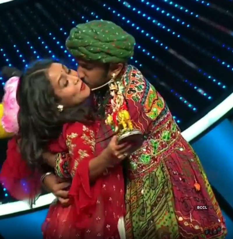 Neha Kakkar Forcibly Kissed By A Contestant On The Sets Of Indian Idol 11 Pics Neha Kakkar Forcibly Kissed By A Contestant On The Sets Of Indian Idol 11 Photos