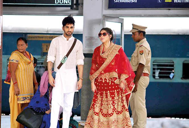 Ayushmann Khurrana and Maanvi Gagroo shooting in Varanasi (BCCL/ Arvind Kumar)