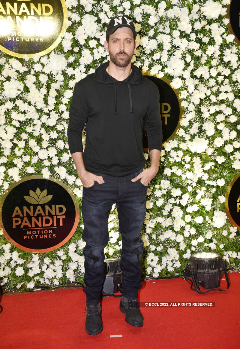 B-Town comes in full attendance at Anand Pandit's Diwali party