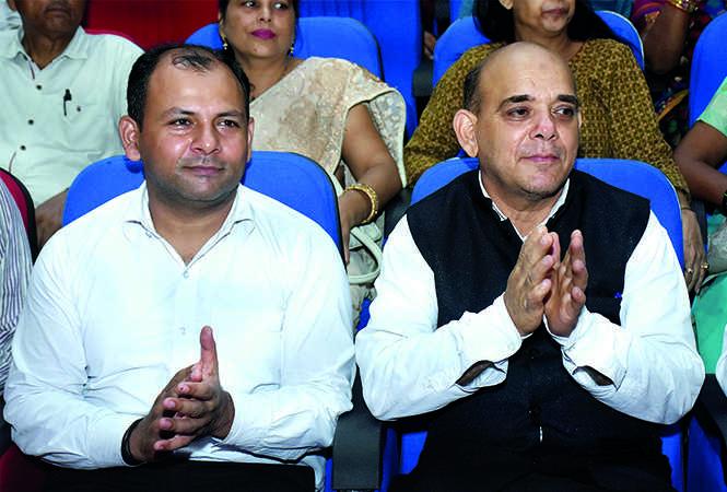 Jai Prakash Narain Tiwari (L) and Masood Ali (BCCL/ Vishnu Jaiswal)