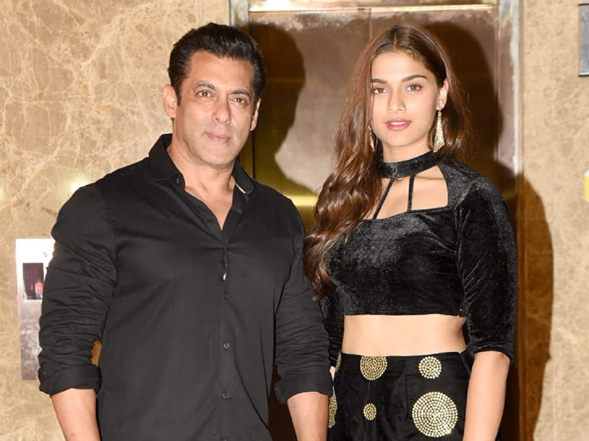Bollywood Diwali 2019 Salman Khan Sonakshi Sinha And A Diwali Dhamaka