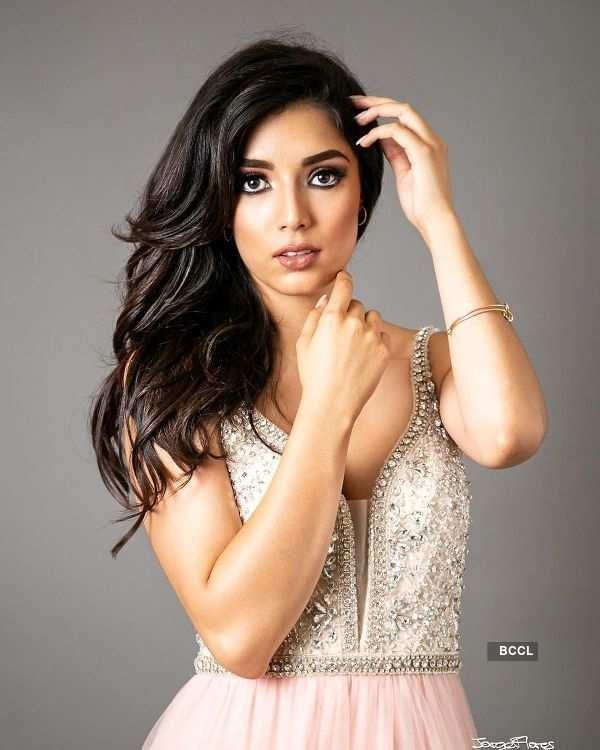 Alejandra Díaz de León crowned Miss Globe 2019
