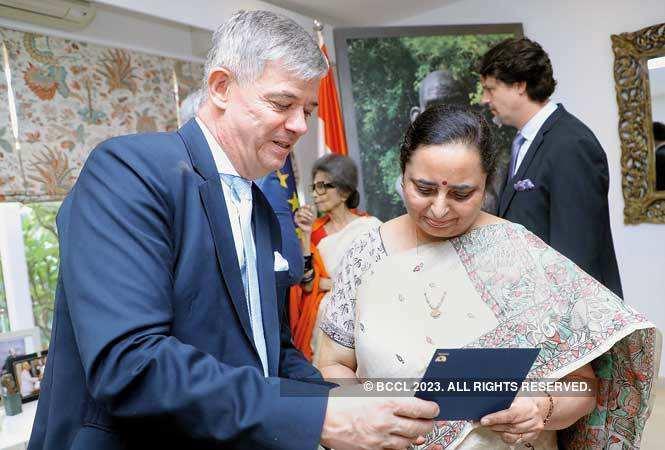 Milan Hovorka, Ambassador, Czech Republic, with Meera Handa, Director General, Department of Posts