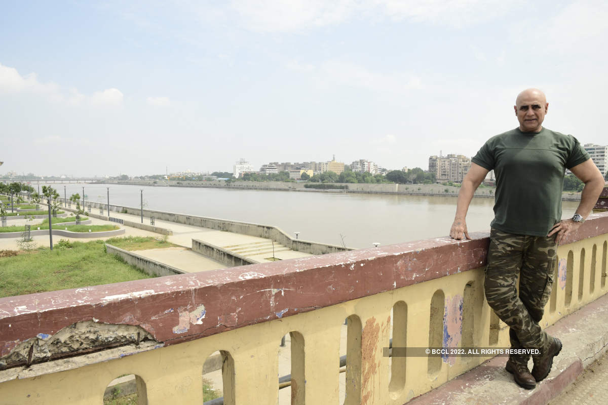 Puneet Isaar visits Ahmedabad